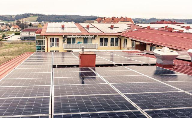 Nova sončna elektrarna na Domu starejših občanov Lenart. FOTO: Nina Alič