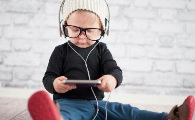 Otroci se premalo gibljejo Foto Shutterstock