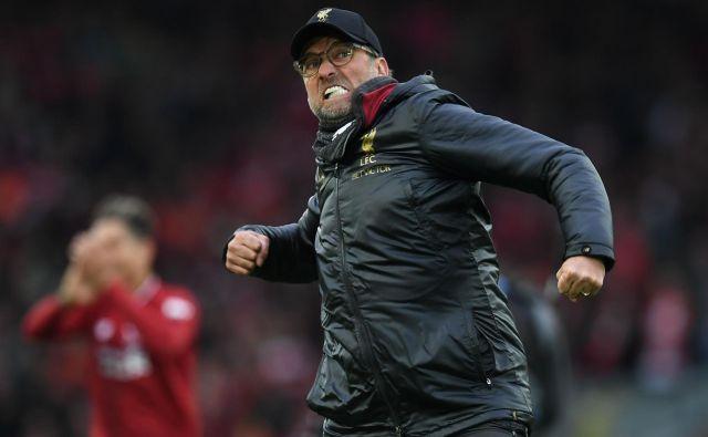 Jürgen Klopp se je v svojem slogu veselil nove zmage. FOTO: AFP