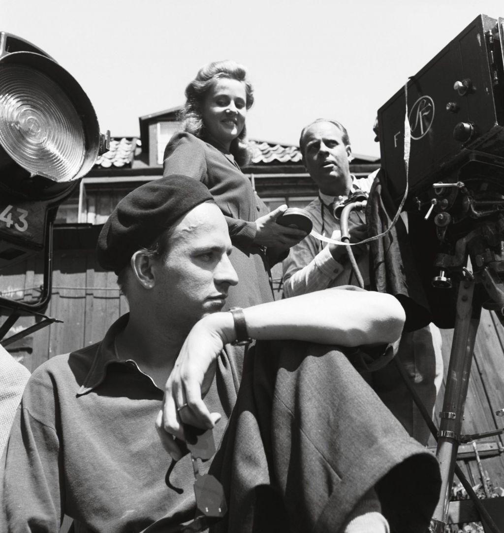 TV namiga: Bergman, Podpredsednica