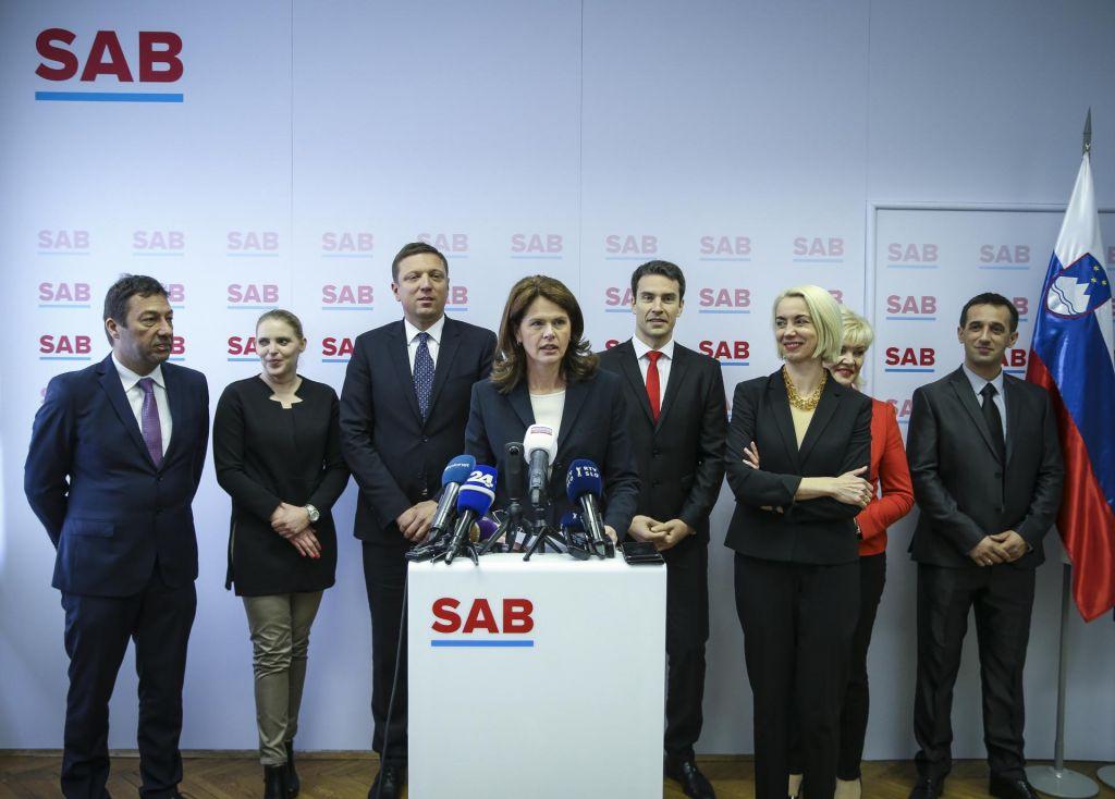 Nosilka liste SAB bo Angelika Mlinar, poleg nje še poslanca in državni sekretarki