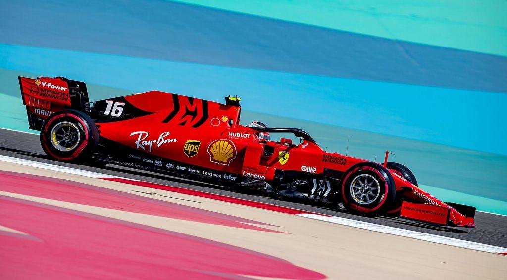 FOTO:Ferrari najhitreje začel v puščavi (VIDEO)