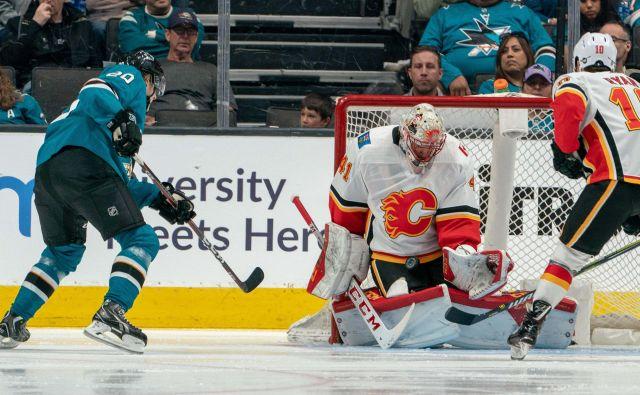 Eden od junakov Calgaryja je bil tudi vratar Mike Smith. FOTO: Reuters