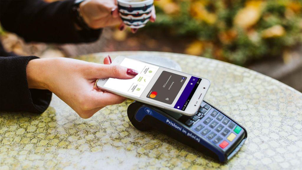 Plačujte poslovne in osebne izdatke brez denarnice ali kartic
