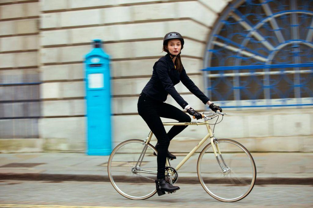 Urbano kolesarjenje