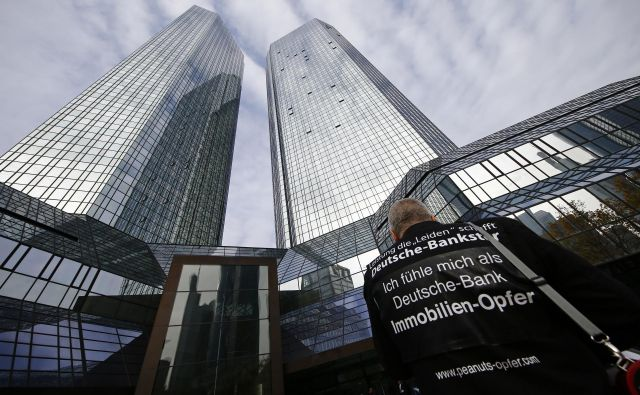 Deutsche Bank je bančna skupina, ki je lani na evropskih borzah izgubila največji delež vrednosti – kar 56 odstotkov. Foto: Reuters