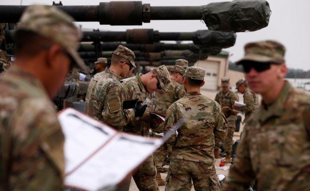 Nato se je v zadnjih letih spet bolj preusmeril k tradicionalnim vlogam: kolektivni obrambi in odvračanju od konfliktov. Foto: Reuters