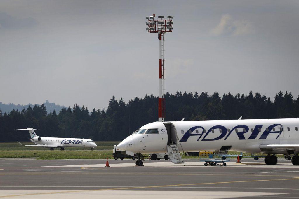Adria Airways je odpovedala naročilo suhojev
