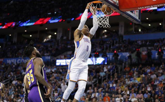 Westbrook je bil ob povratku v domači Los Angeles neustavljiv. FOTO: Reuters