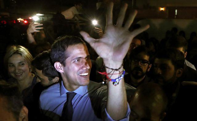 Venezuelska ustavodajna skupščina je soglasno potrdila odvzem imunitete predsedniku demokratično izvoljenega državenga zbora Juanu Guaidóju. Foto: Reuters