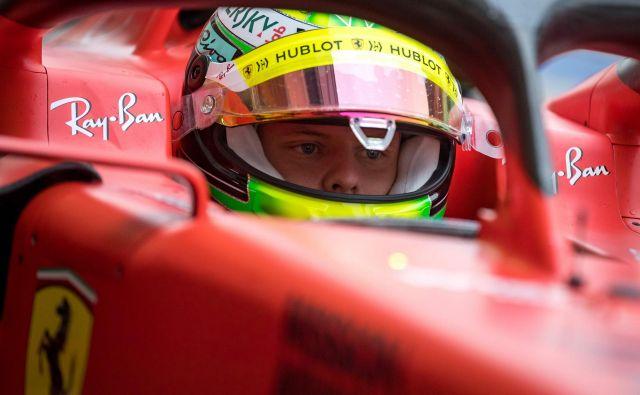 Mick Schumacher jena testiranju formule 1 opozoril na svojo nadarjenost. FOTO: AFP