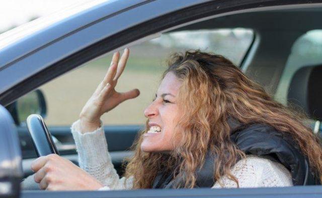varnost na cesti Foto Shutterstock