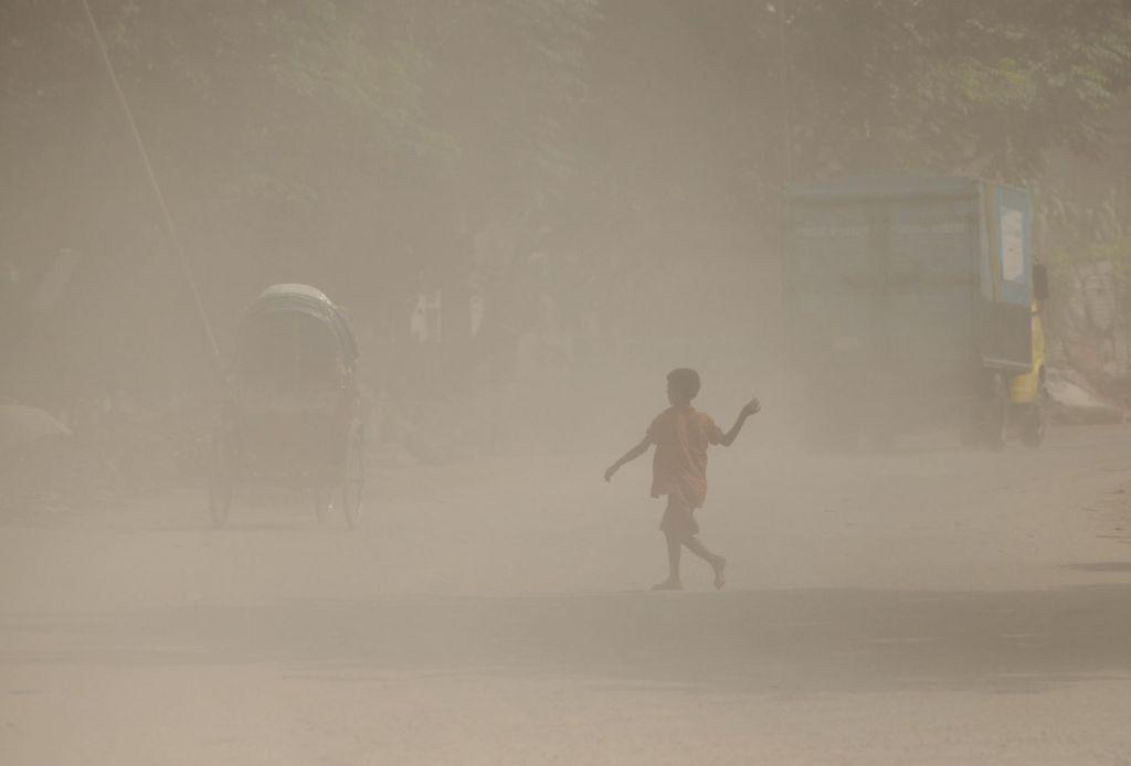 Naši otroci bodo zaradi umazanega zraka v prihodnosti živeli 20 mesecev manj