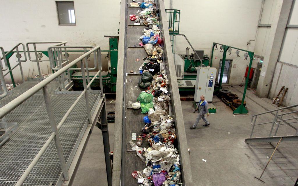 FOTO:95-odstotna podražitev smeti za pet občin