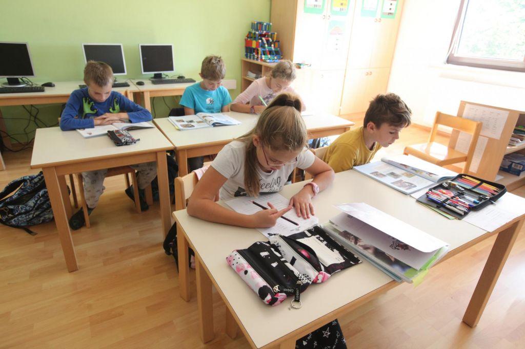 Koalicijski partnerji uskladili predlog za financiranje zasebnih šol