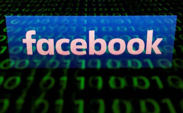 Facebook je sam sprejel pravila, da bi omejil objave sovražnih skupin. FOTO: Lionel Bonaventure/AFP
