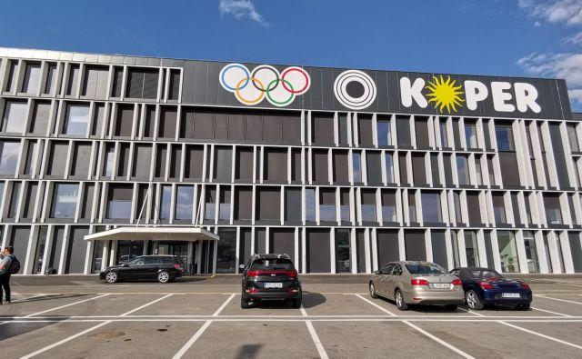 V Kopru so dobili privolitev Olimpijskega komiteja Slovenije, da uporabijo njihov znak, ne pa tudi simbola olimpijskih iger. Foto Boris Šuligoj