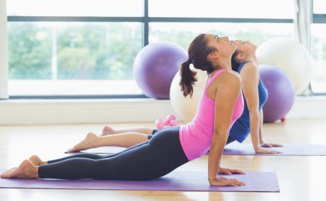 Ker z leti vsi postajamo bolj trdi in manj spretni in prožni, je toliko pomembneje ohranjati spretno in sproščeno telo tudi v zrelih letih. Foto: Shutterstock