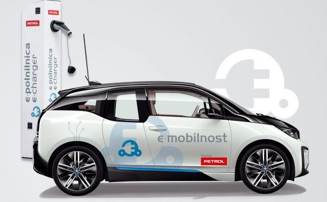Petrol je tako eden prvih v regiji, ki poslovnim uporabnikom pomaga pri čim lažjem prehodu v trajnosten in brezogljičen električni vozni par. FOTO: Petrol