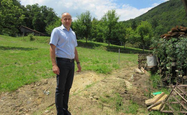 Marko Cigler je odstopil od postopkov priprave prostorskih načrtov, ki bi umestili piščančjo farmo v bližino Lovskega doma. FOTO: Špela Kuralt/Delo
