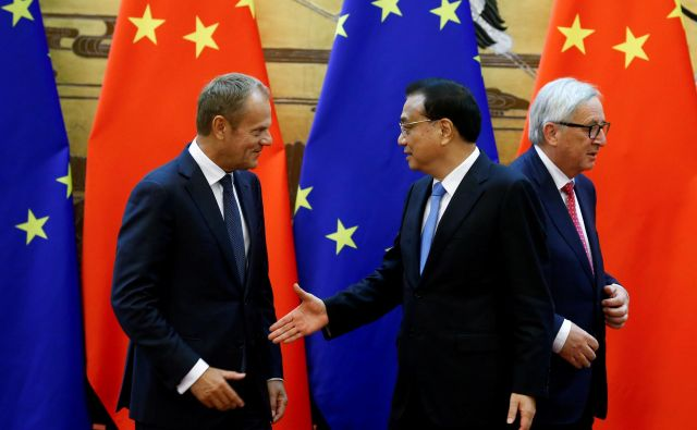 Evropska unija in Kitajska sta druga za drugo najpomembnejši trgovinski partnerici. FOTO: Reuters