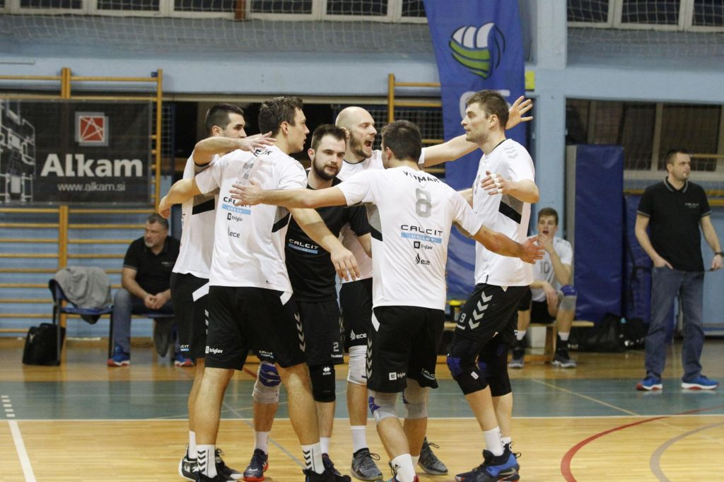 Mariboru zmaga, Calcitu napredovanje
