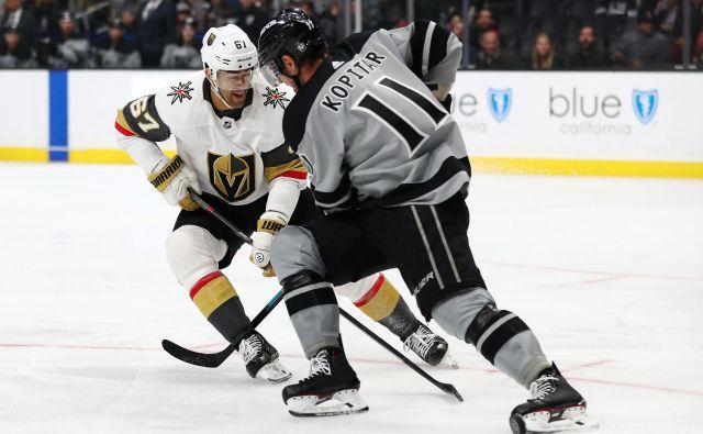 Na zadnji tekmi sezone v NHL je Kopitar zabil gol in dodal podajo.<br /> FOTO: AFP