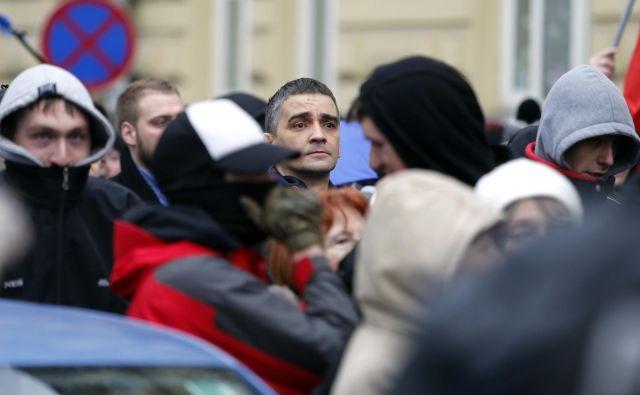 Bernard Brščič na protimigrantskih protestih. FOTO: Matej Družnik