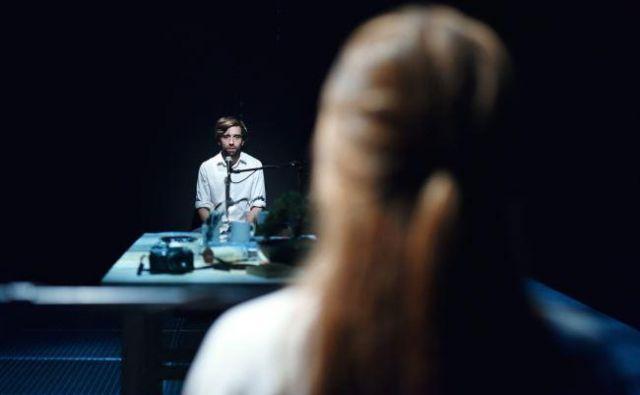 Oba protagonista sta odvisna le od sugestivnosti glasu. Foto Peter Uhan