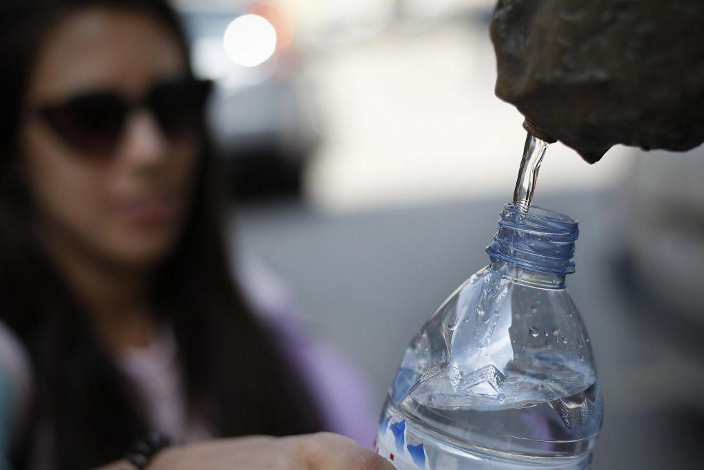 FOTO:Piti več vode – mit ali resnica?