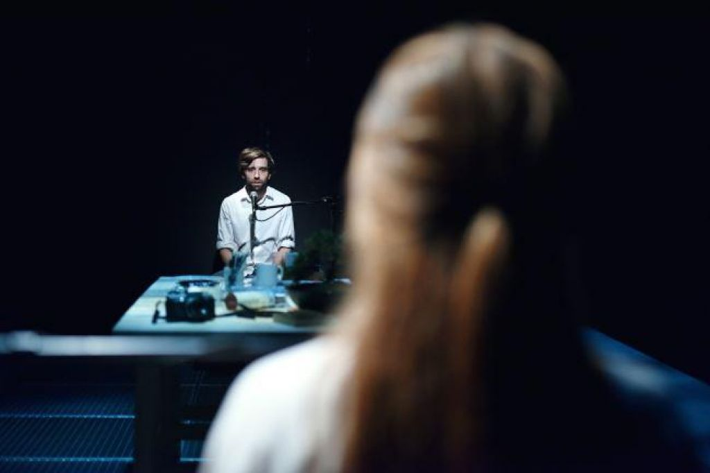 Hipnotično magična Pljuča v režiji Žige Divjaka
