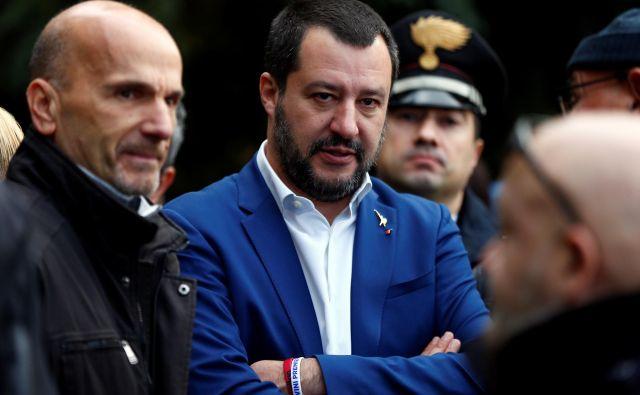 Številni Italijani niso navdušeni nad konservativnimi političnimi nazori Mattea Salvinija. FOTO: Yara Nardi/Reuters