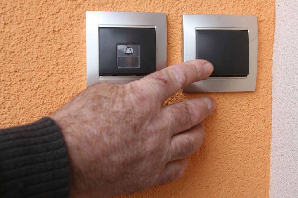 Poskusi goljufij z neplačanimi računi za elektriko tudi na Petrolu