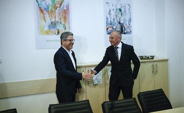Aleš Šebeder, minister za zdravje, verjame, da se lahko s predstavniki Fidesa in drugimi sindikati dogovori o veliko nerešenih zadevah. FOTO: Uroš Hočevar/Delo