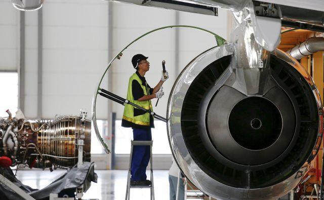 Težave Boeinga ne koristijo Airbusu, saj je njegova prozvodnja popolnoma zasedena. Državna pomoč obema je povzročila zaostrovanje med obalama Atlantika. FOTO: Reuters