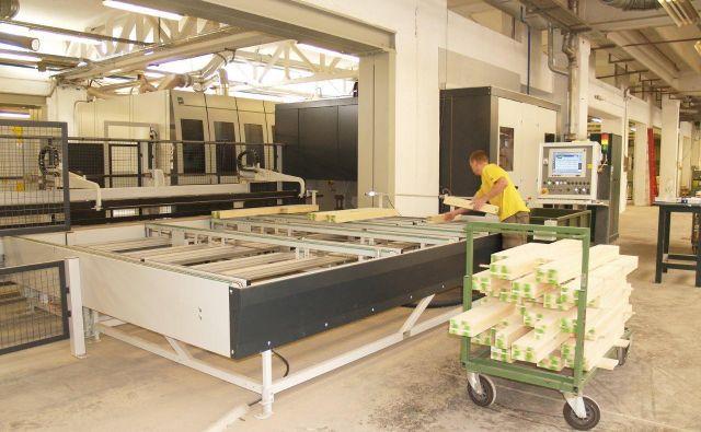 Industrijsko podjetje mora uvesti povratno zanko informacij, saj se mora dejansko stanje zalog v delavnicah in skladiščih ujemati z načrtovanim. FOTO: Inles