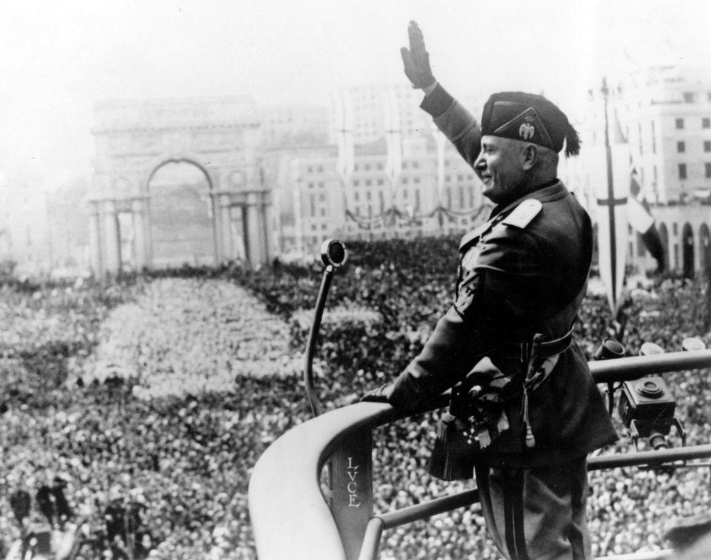 Mussolini ostaja častni občan Salòja