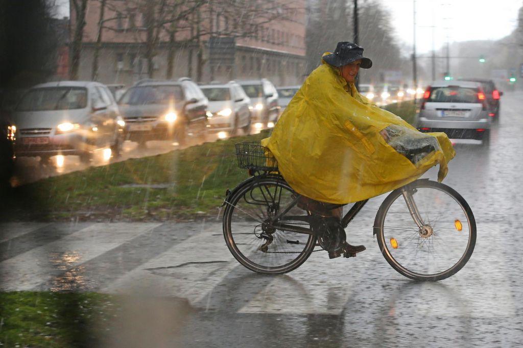 V sredo in četrtek od 50 do 100 litrov dežja na kvadratni meter