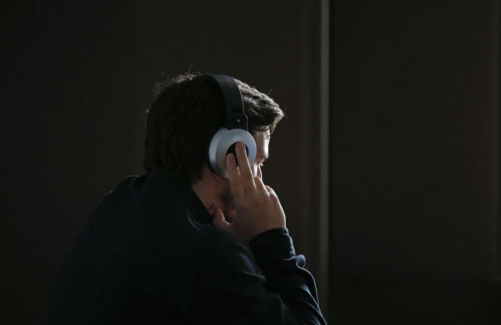 FOTO:Kdo vam prisluškuje in kako