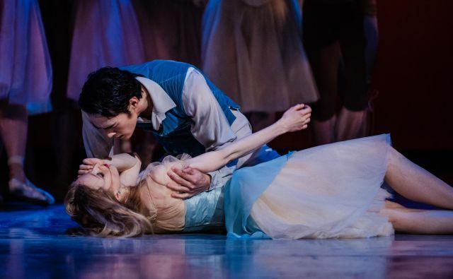 Kubanski baletni umetnik Howard Quintero Lopez je pred premiero <em>Giselle</em> obljubil »pravljični beli klasični balet«. FOTO: Darja Štravs Tisu