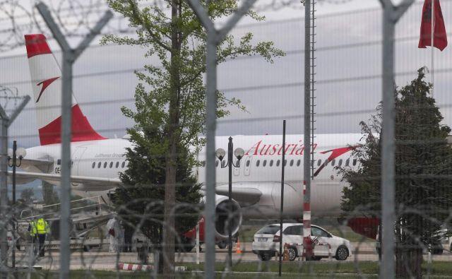 Družba Austrian Arilines se je zaradi incidenta odločila, da do nadaljnjega ukine transport denarja iz Tirane na Dunaj. FOTO: AFP