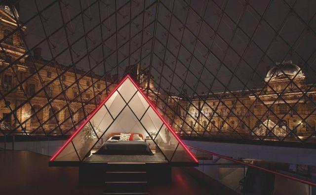 Spati v stekleni piramidi in noč preživet v muzeju Louvre? FOTO: airbnb.com