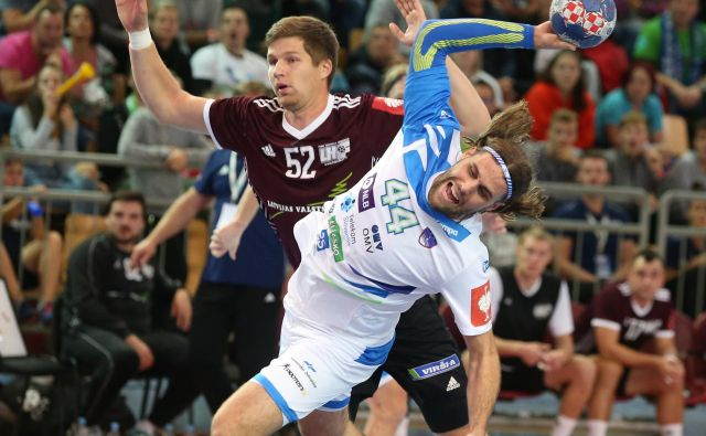 Dean Bombač je v Pick Szegedu našel vrhunsko formo, ki jo želi prenesti v reprezentanco. FOTO: Tadej Regent