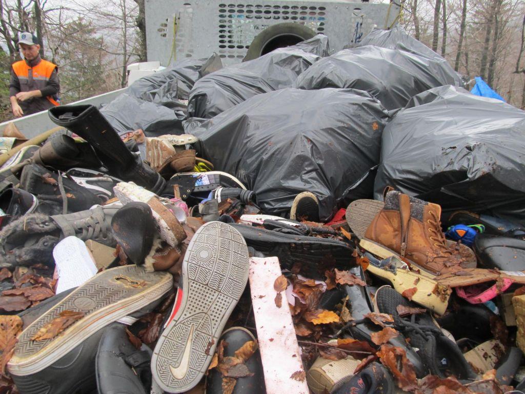 FOTO:Čevljev na Črnovrški planoti ni več, je bila pa tam inšpekcija