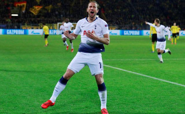 Tottenham se je decembra prebil iz skupinskega dela lige prvakov zavoljo večih doseženih golov v gosteh kot milanski Inter. Takole se je veselil Harry Kane. FOTO: Reuters
