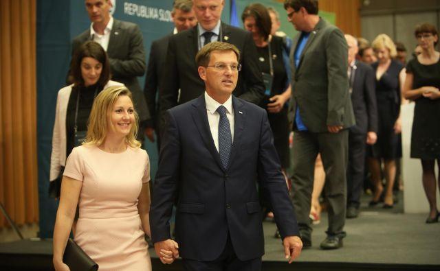 Miro Cerar in Mojca Stropnik sta sporočila, da sta postala starša mali Maji. FOTO: Jure Eržen/Delo