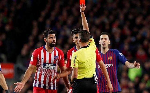 Diego Costa si je proti Barceloni spet privoščil veliko neumnost. FOTO: Reuters