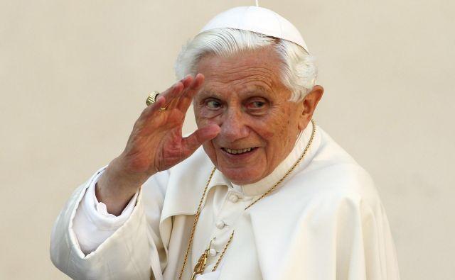 Nekdanji papež je namignil tudi na povezavo med pedofilijo in istospolno usmerjenostjo.FOTO: Reuters