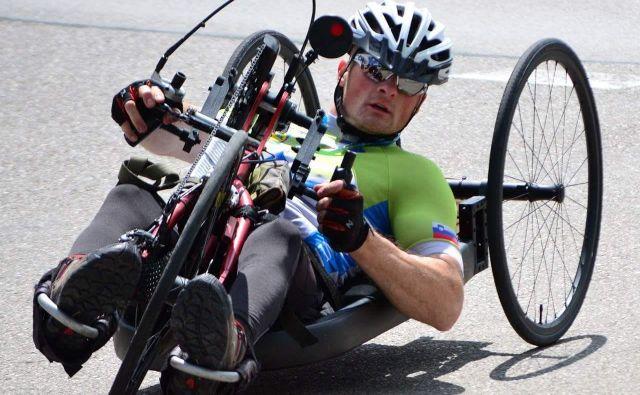 Gregor Habe na doma izdelanem kolesu dosega zelo dobre rezultate, z akcijo bodo zbirali sredstva za nakup bolj konkurenčnega kolesa.<br /> Foto osebni arhiv