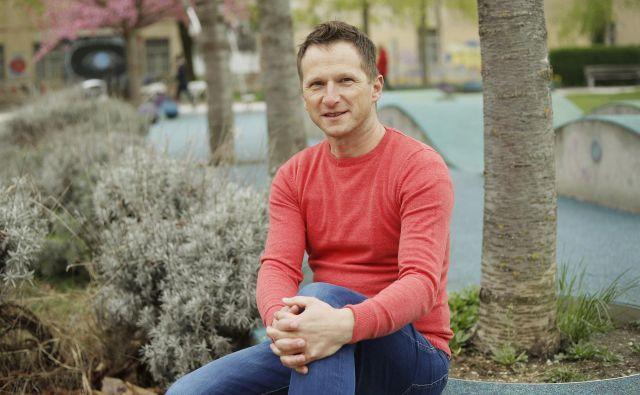 Klemen Hren, urednik spletnega portala avtokampi.si, spodbuja kampiranje zunaj glavne sezone. Foto Leon Vidic